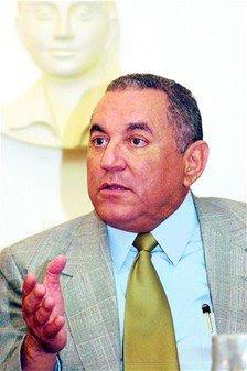 Bengoa afirma Gobierno no ha subido nómina
