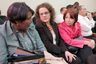 Tribunal reenvía para el 13 de mayo recurso de amparo de periodistas contra senador Williams