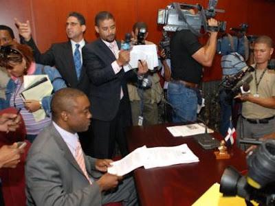 Fijan para el 22 juicio contra senador Williams