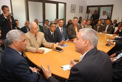 Miguel Vargas asegura que mayoría profesionales del PRD lo apoyan
