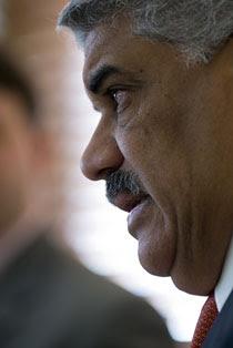 Vargas se opone a política fiscal Gobierno