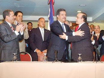 Pactos Gobierno-partidos divide opinión de sociólogos