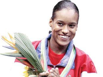 Yuderquis Contreras le da tres medallas de oro a RD