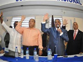 Miguel Vargas juramenta nuevas autoridades PRD en SDE