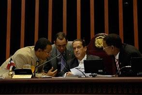 Aprueban modificación de Presupuesto en el Senado