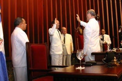 Nuevo bufete directivo senado a favor de aumento sueldos; ADOCCO dice viola la Constitución