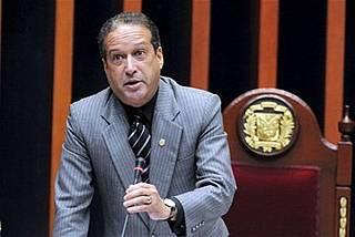 Reinaldo Pared critica a presidente del PRD