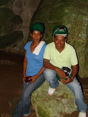 Carmen Santos Corporán lleva 16 años como guía en las Cuevas del Pomier