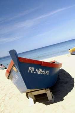 Al menos tres muertos y 13 desaparecidos en naufragio en República Dominicana
