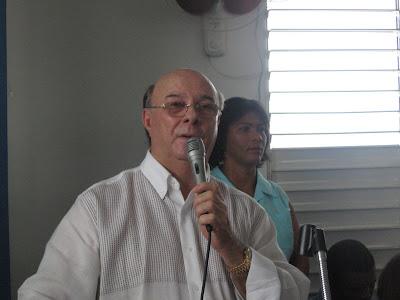 """Hipólito considera """"trujillista"""" recolección de firmas por funcionarios del Gobierno"""
