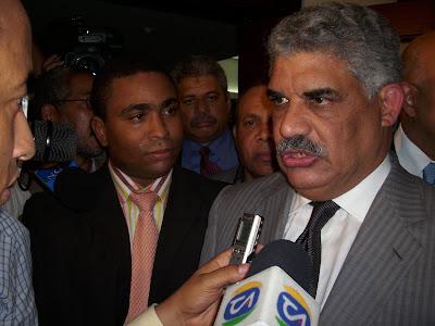 Miguel Vargas dice pensaba abordar helicóptero se cayó