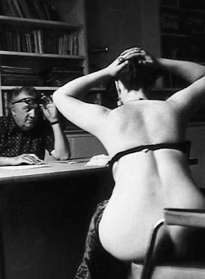"The image ""http://1.bp.blogspot.com/_dZYJf9jadGw/Sh_z2TGmnVI/AAAAAAAAPXY/CTxynhTuZCw/s400/Fellini_casting_Casanova.jpg"" cannot be displayed, because it contains errors."