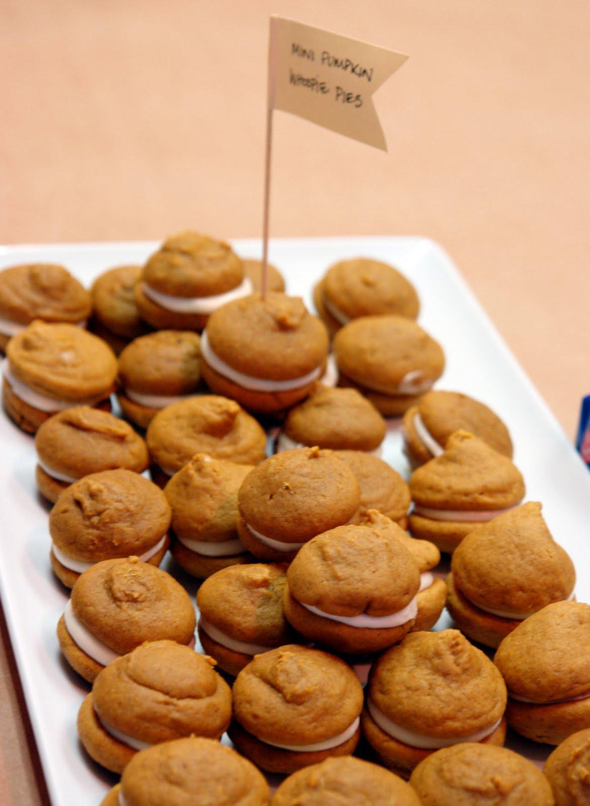 Bakes: Mini Pumpkin Whoopie Pie's