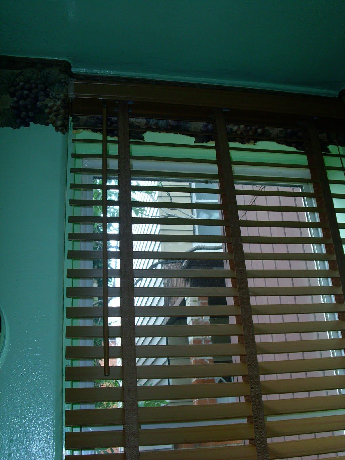 http://1.bp.blogspot.com/_dawA-N0ooFw/TAvpD8n0GhI/AAAAAAAAAAc/uRkkRTlJi7Y/s1600/window+border.jpg