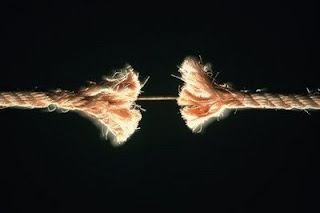 Sul+Romanzo+la+corda+si+spezza.jpg