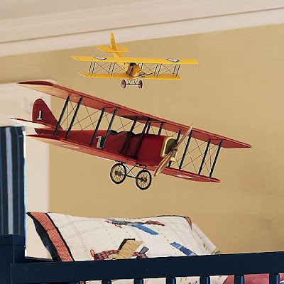 Airplane room decor colors via baby images frompo for Aircraft decoration