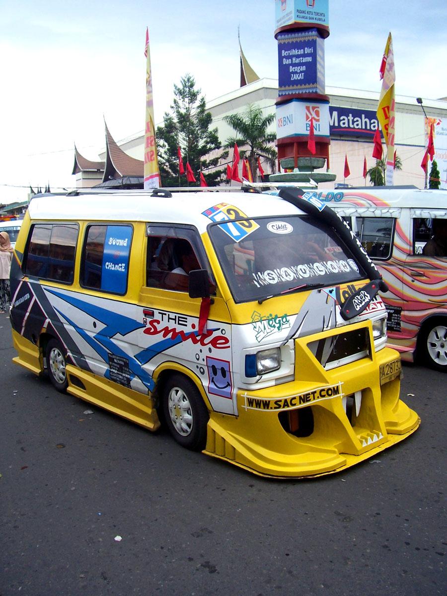 Gambar Mobil Angkot Padang