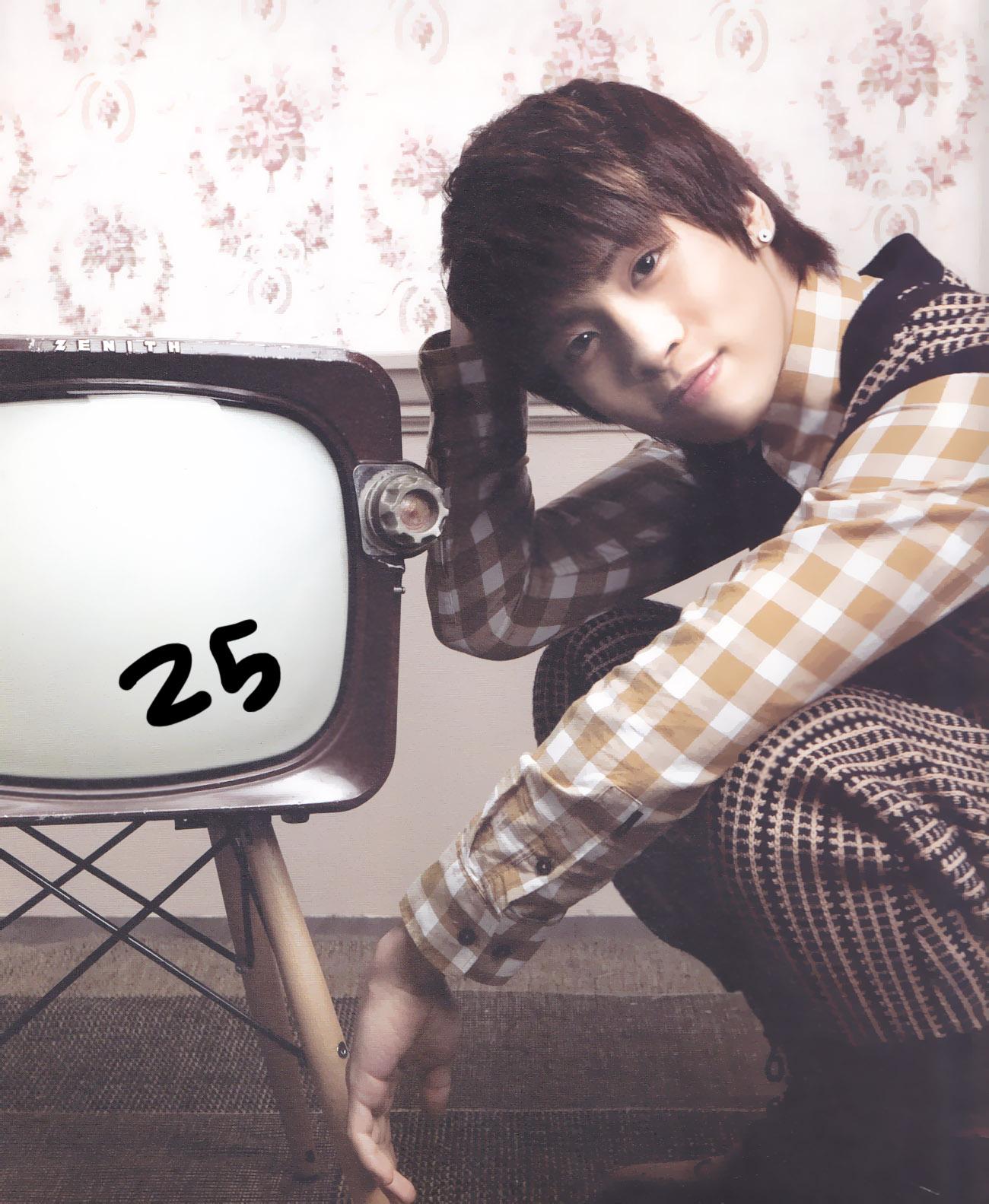 SHINee for 2011 SM Calendar | m o o n l i g h t u n e s .