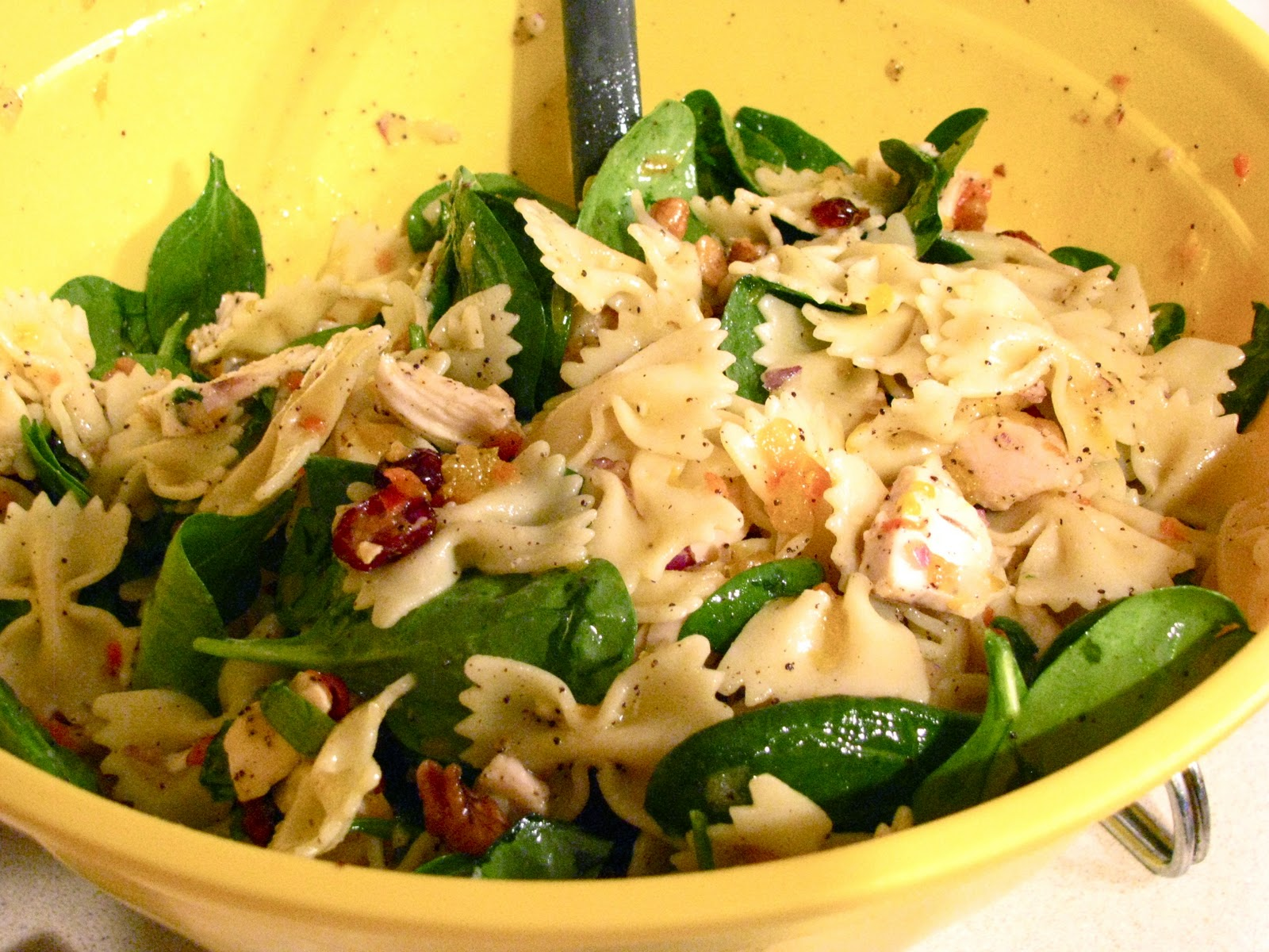 Becoming Betty: Pasta Spinach Salad