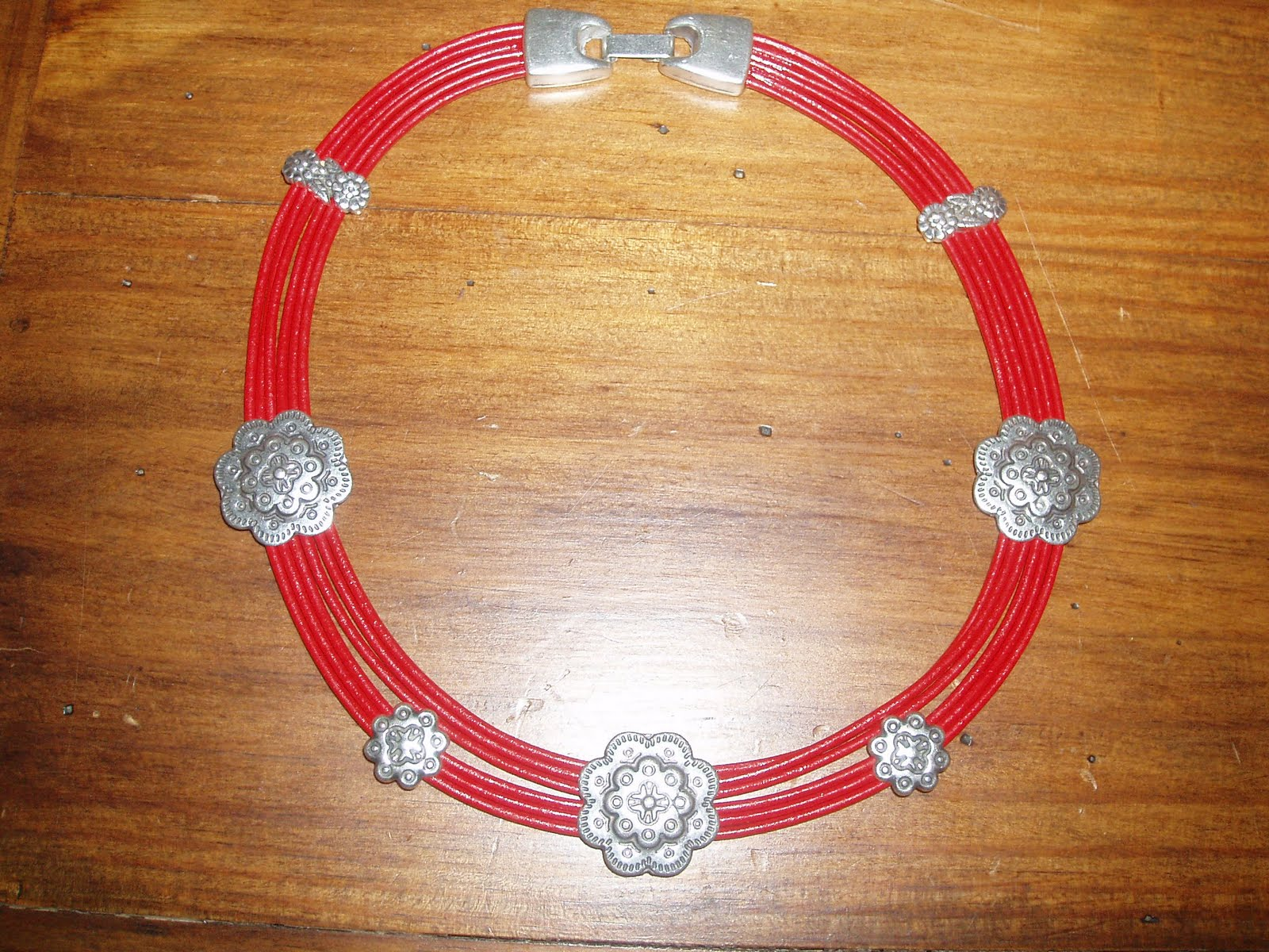 Mis complementos de bisuteria preferidos collar en cuero - Complementos de bisuteria ...