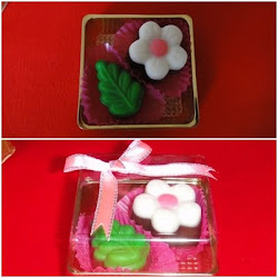 1 box with ribbon