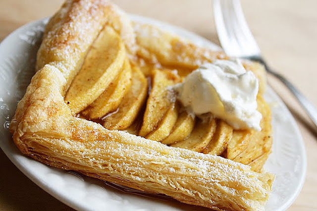 Quick & Easy Apple Tart by The Comfort of Cooking
