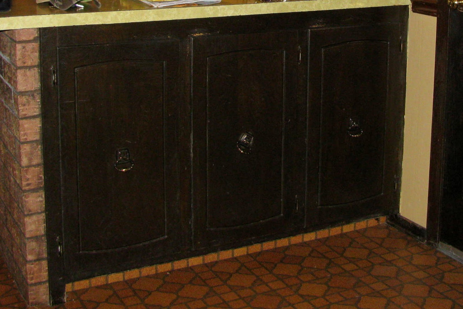 Antique White Painted Kitchen Cabinets