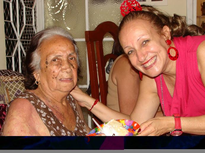 Mamãe comigo, no dia dos meus 60 anos ( 02/09/09)