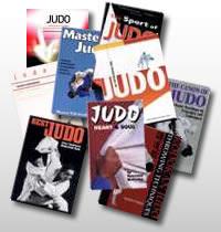 Diversos llibres sobre judo