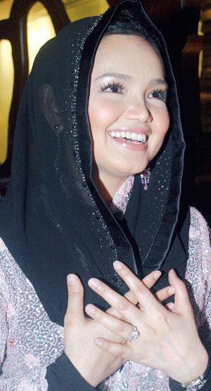 foto Selendang Siti Nurhaliza