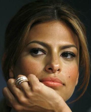 eva mendes makeup. Eva Mendez, 36 years old,