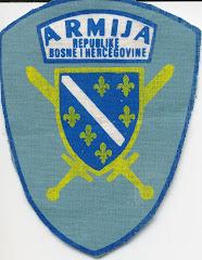 Distintivo de la ARMIJA (Ejército bosnio-musulmán)