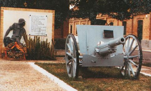 Antiguo Monumento a los Caidos en el RACA 14