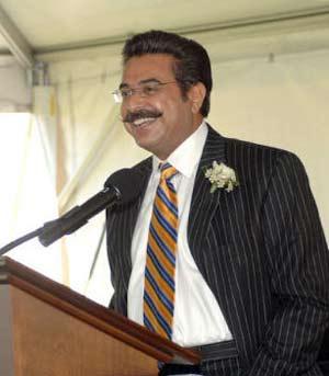 Haq S Musings Pakistani American Shahid Khan Is The