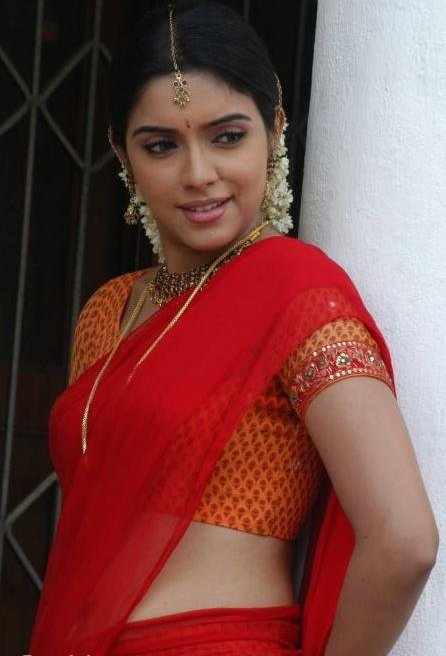 http://1.bp.blogspot.com/_dm-ziAGRM2A/TMjziNBzv9I/AAAAAAAAMDo/eeDl7Y9lwVU/s1600/South_Indian_Actresses_Half_Saree_39.jpg