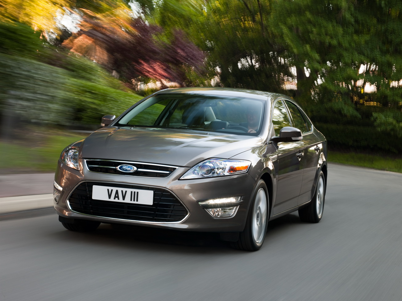 small spot in white shirt ford mondeo cars life cars fashion