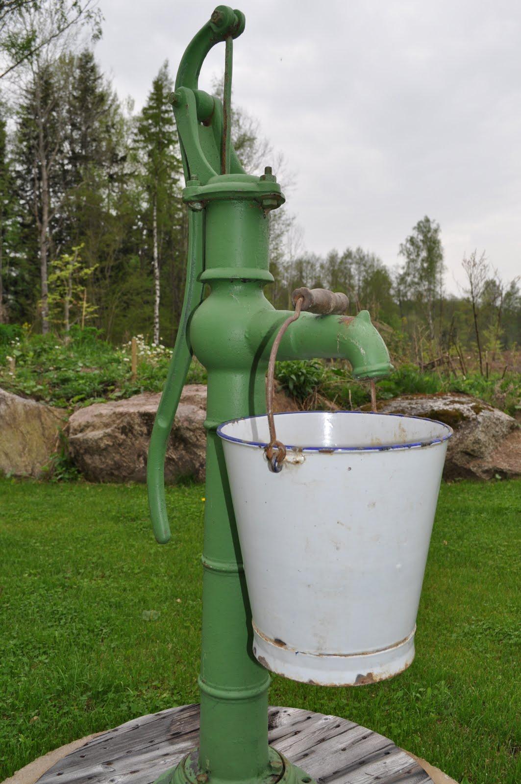 VÅr sekelskiftesdrÖm: kockums. emaljkärl från ronneby