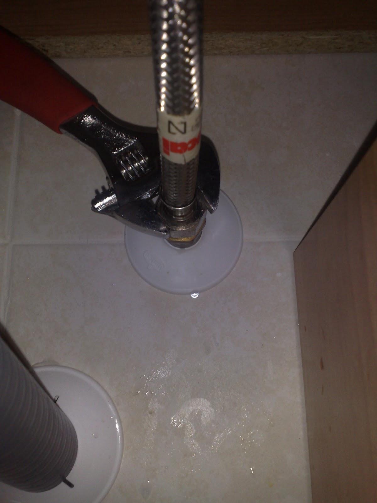 Cambiar llave de paso simple radiador que gotea cuando for Como reparar llave de ducha que gotea