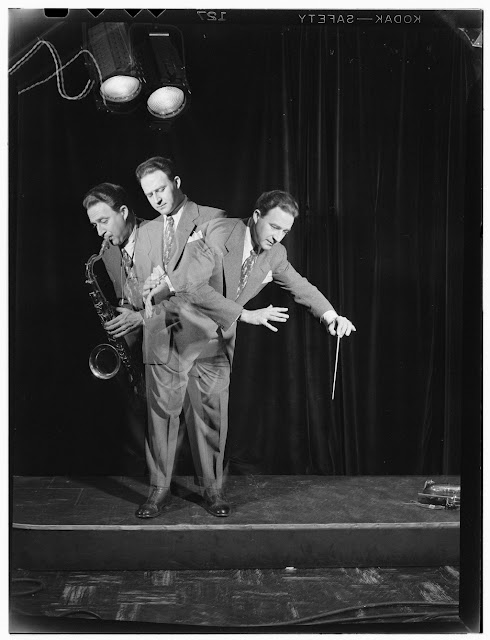 """Portrait of Jerry Jerome, ca. June 1947. Forms part of: William P. Gottlieb Collection (Library of Congress). In: """"Jerome's versatility keeps him busy,"""" Down Beat, v. 14, no. 12 (June 4, 1947), p. 16."""