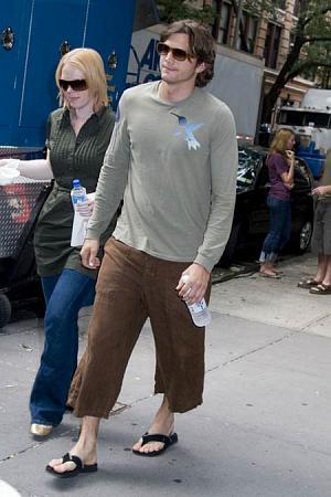 Famous Male Feet Ashton Kutcher