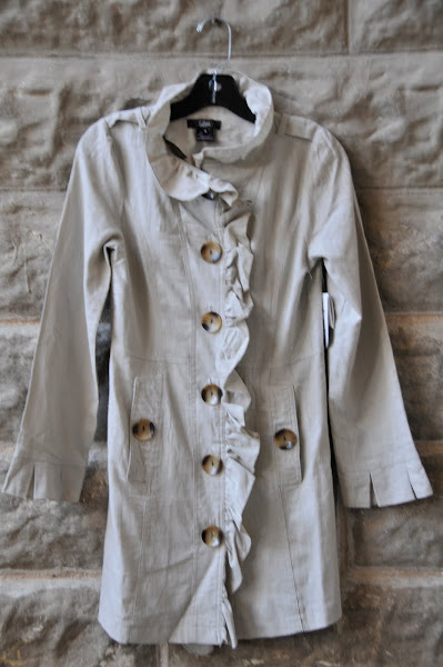 Linen duster jacket with ruffles, buttons and pockets