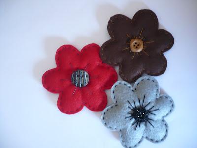 Broches de Fieltro: Flores Acorchadas de Fieltro