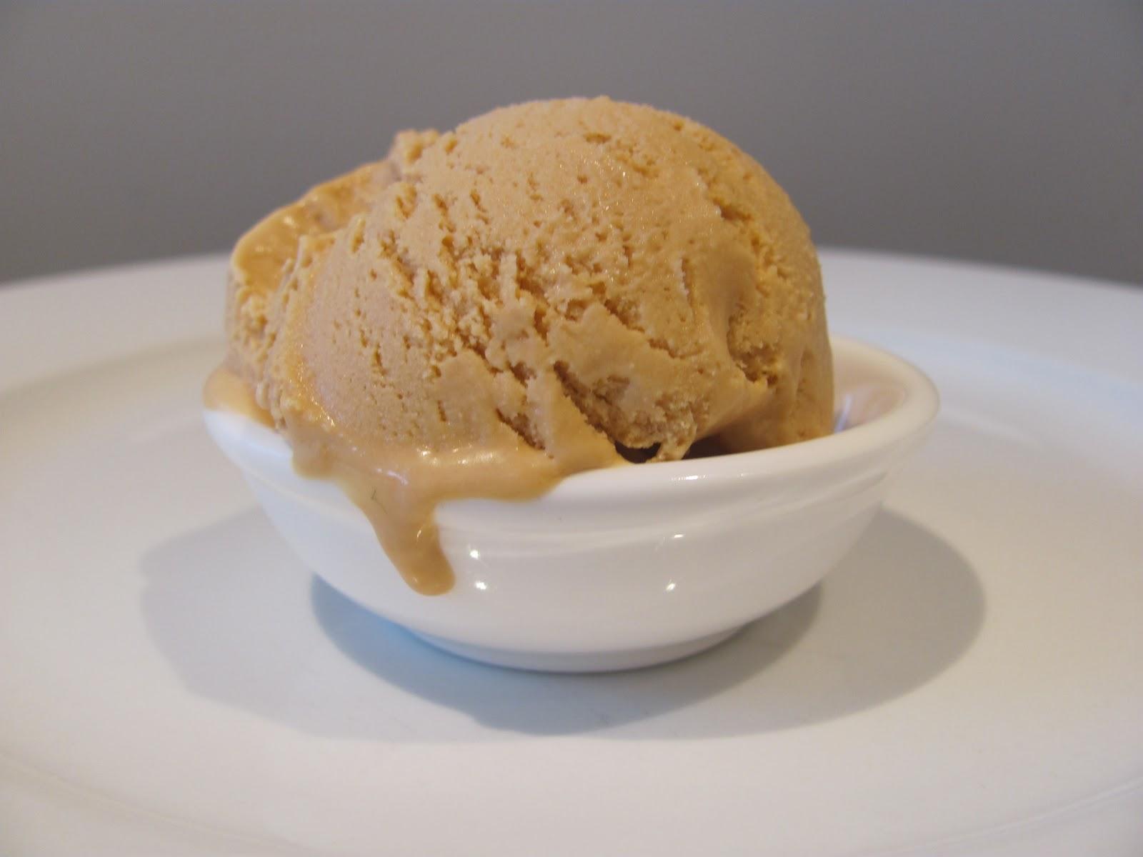 ... Mrs Cake: Super Easy Caramel Ice-Cream (no ice-cream maker required