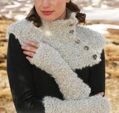 Golinha e luvas em tricot