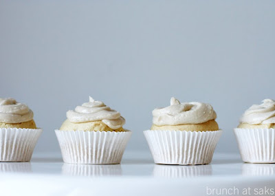 "gluten free vanilla cupcakes w/ dairy free ""buttercream"" frosting"