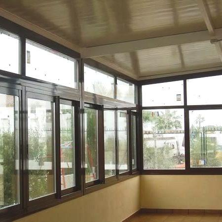 Carpinteria de aluminio en granada cerramientos de balcones y terrazas - Cerramientos de balcones ...