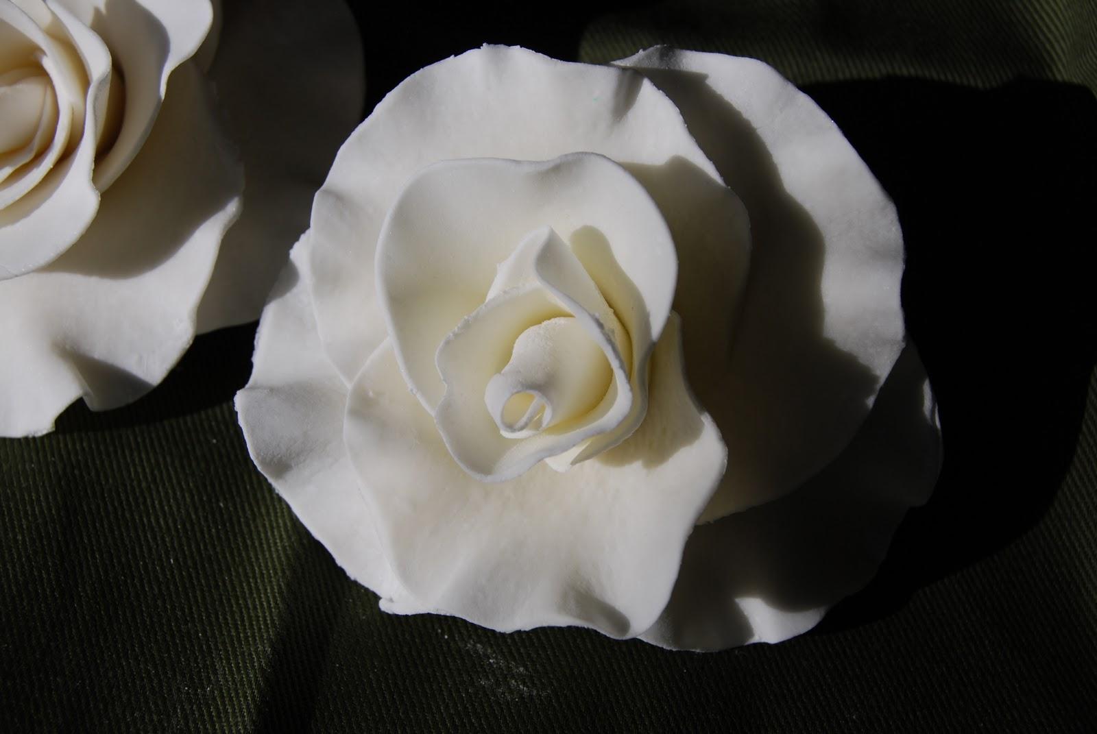 Gamma Susie s This n That Gum Paste Roses