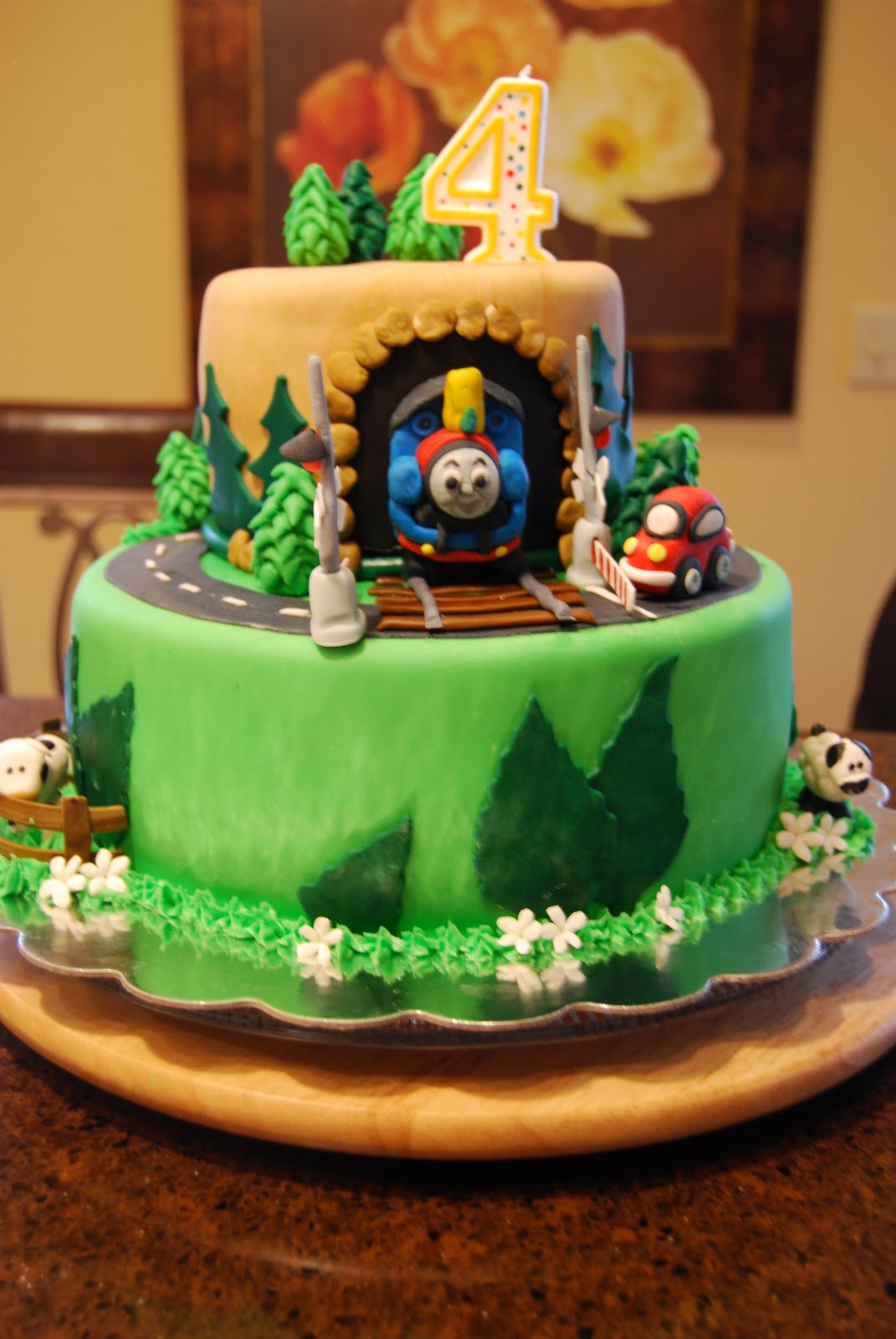 Gamma Susies This N That Thomas The Train Cake With Crossing Gates