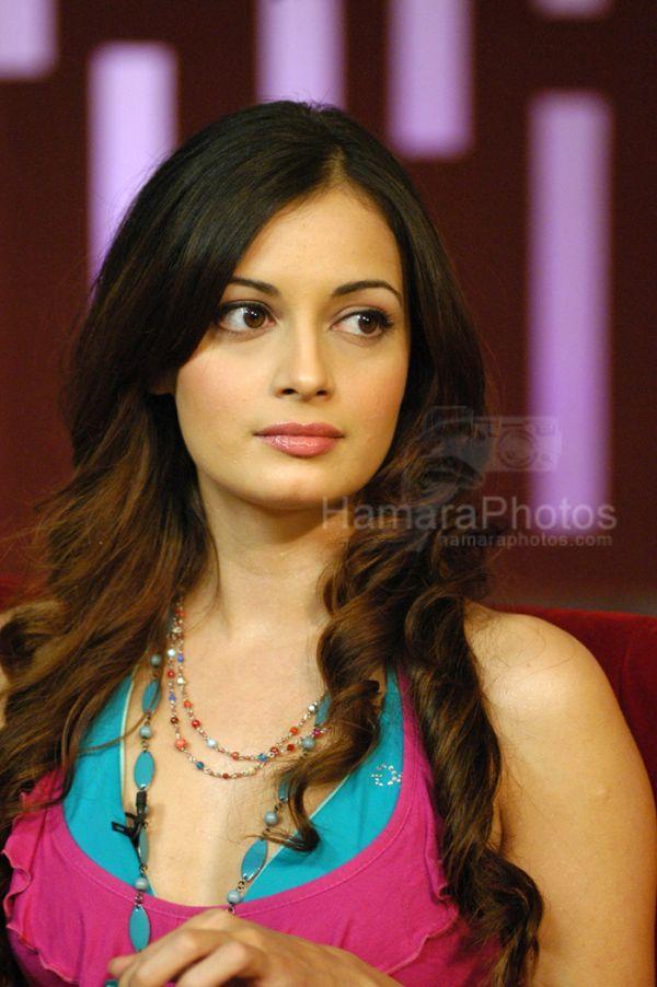 dia mirza bollywood actress profile dia mirza handrich is an indian ...: http://hub4queens.blogspot.com/2011/01/dia-mirza-pics-profile.html