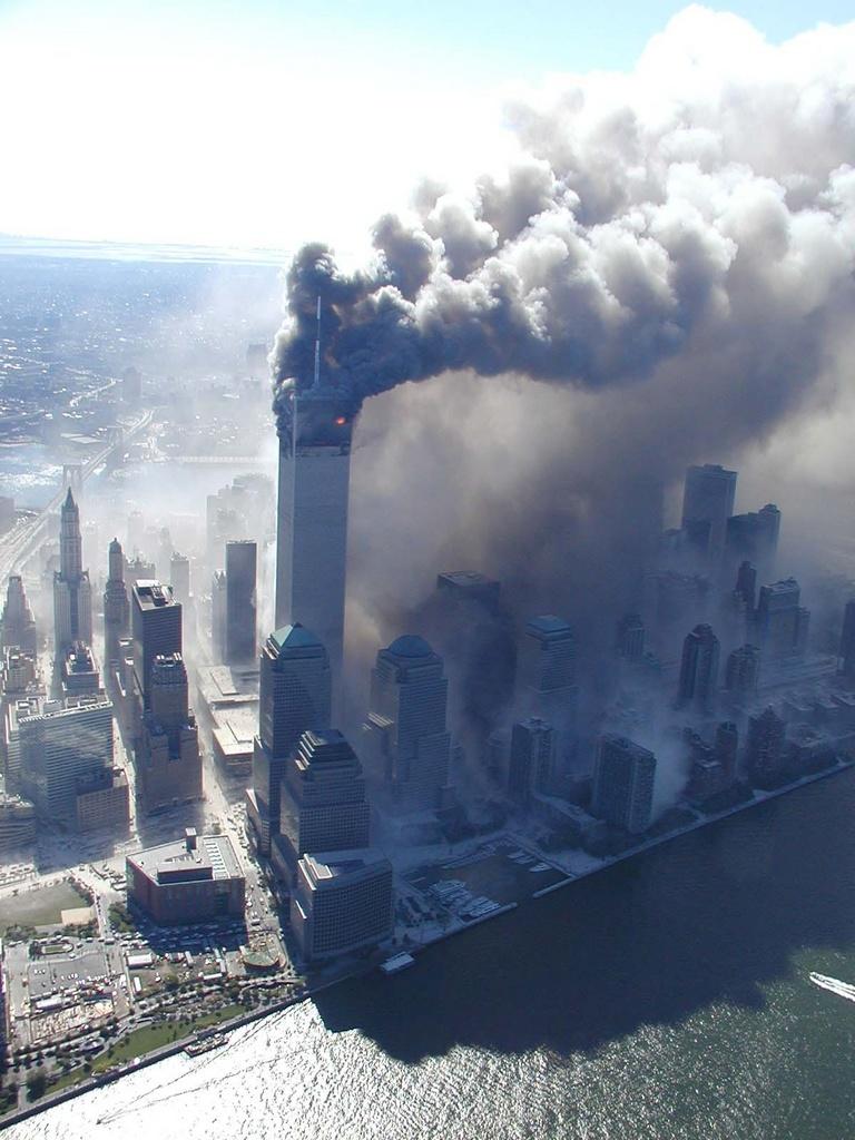 """Ahmadinejad diz que atentados de 11 de setembro foram """"grande montagem"""""""